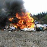 Denuncian ante la Fiscalía la quema de residuos en Cudillero