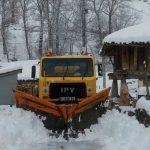 La nieve complica la circulación en Tineo y Salas