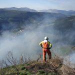 Una treintena de fuegos activos en Asturias durante la jornada de hoy